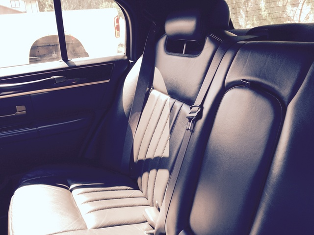 2009 lincoln town car pictures cargurus. Black Bedroom Furniture Sets. Home Design Ideas
