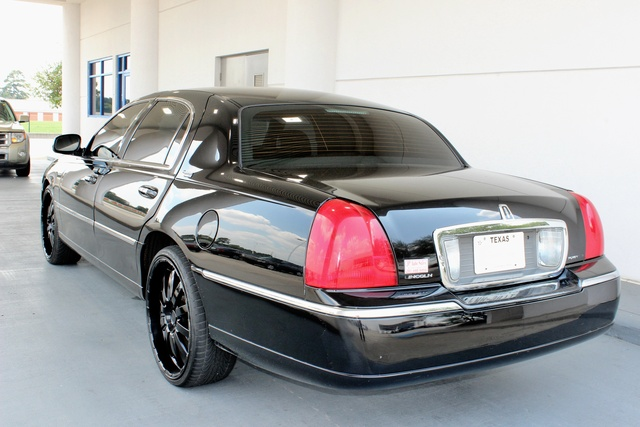 Lincoln Town Car Signature Limited Reviews