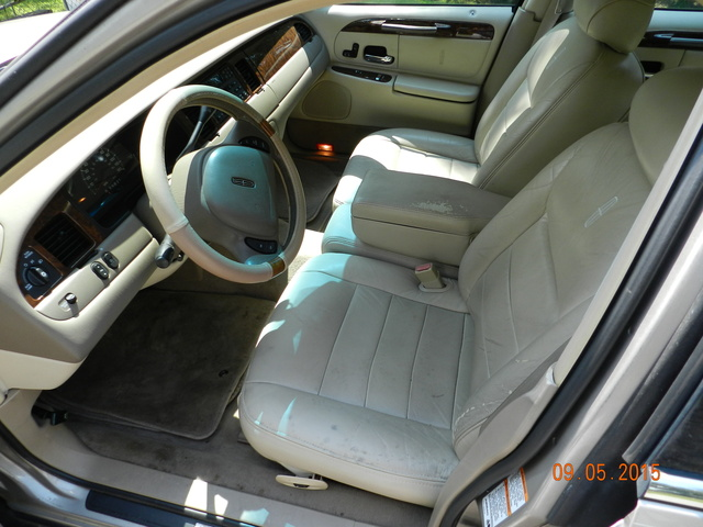 2001 lincoln town car pictures cargurus. Black Bedroom Furniture Sets. Home Design Ideas