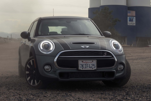 Picture of 2015 MINI Cooper S Hardtop 4 Door