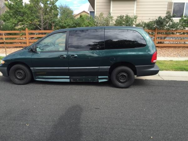 Picture of 1999 Plymouth Voyager