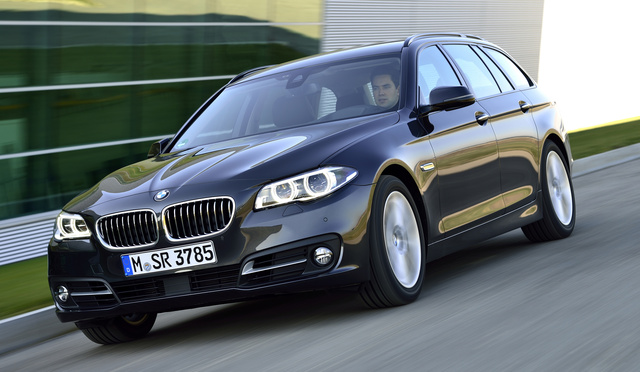 2016 BMW 5 Series Gran Turismo, Photo of 2015 model shown. Front quarter view., exterior, manufacturer