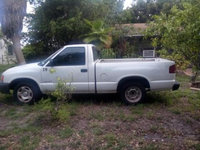 Picture of 2000 Isuzu Hombre 2 Dr S Standard Cab SB, exterior, gallery_worthy
