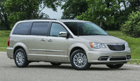 2016 Chrysler Town & Country, Front-quarter view., exterior, manufacturer, gallery_worthy
