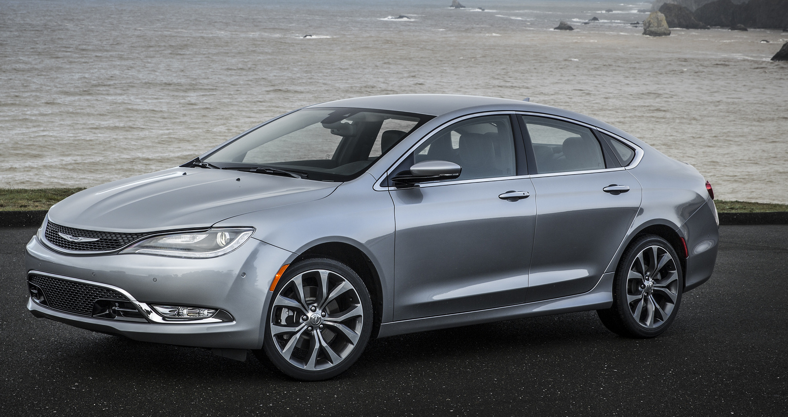 2016 Chrysler 200 Overview Cargurus
