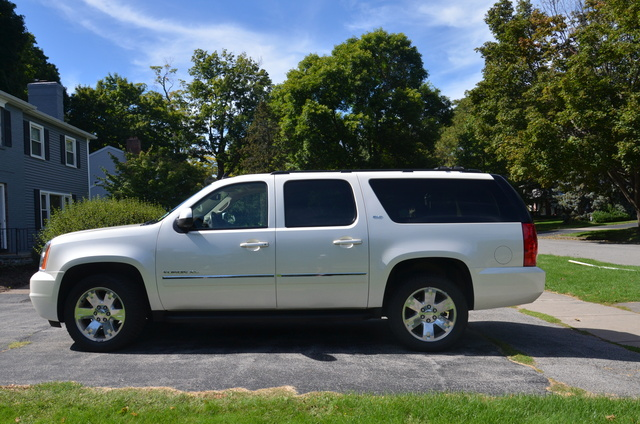 Picture of 2012 GMC Yukon XL 1500 SLT 4WD, exterior, gallery_worthy