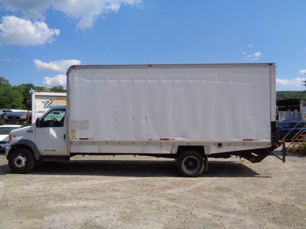 Picture of 2002 Ford E-Series Cargo