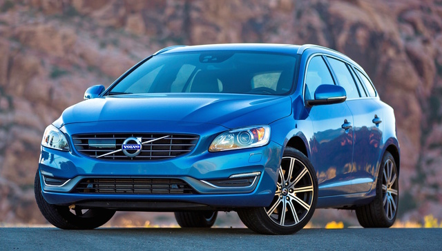 2016 Volvo V60, Front-quarter view., exterior, manufacturer, gallery_worthy