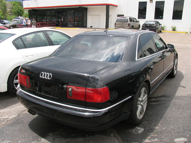 2003 Audi S8