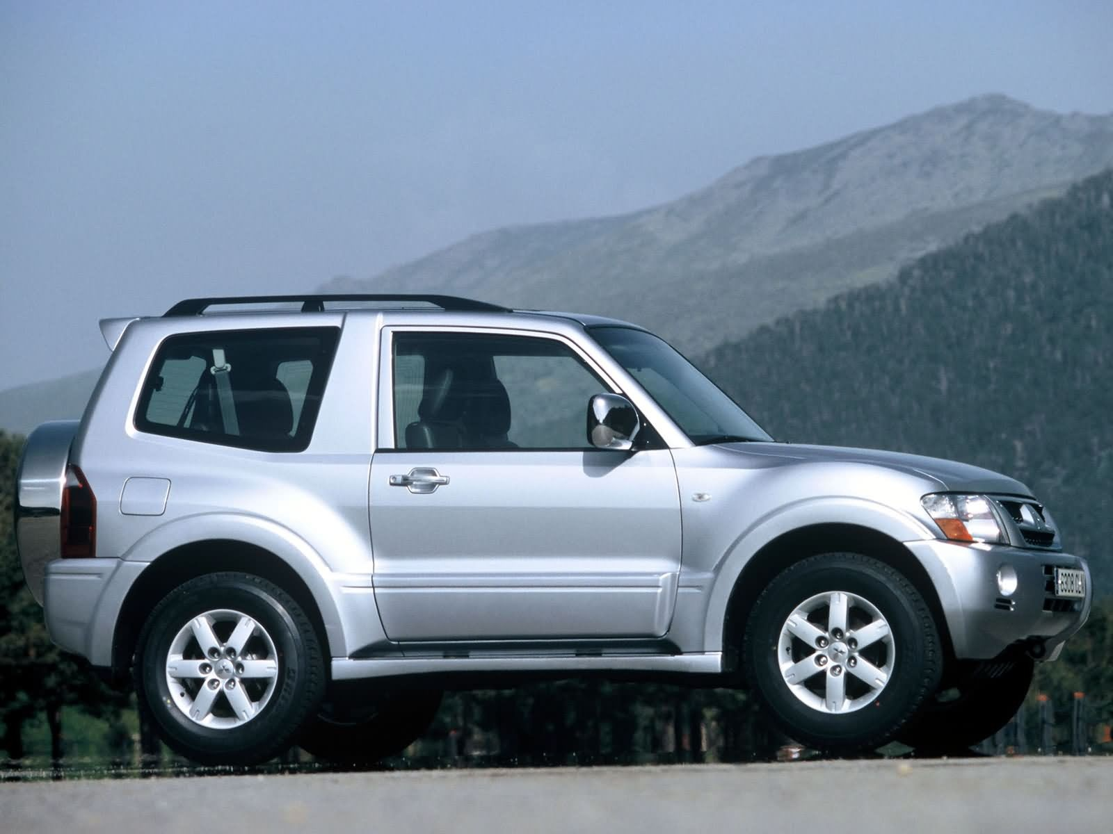 mitsubishi montero questions - did they make a 2-door 1999 montero