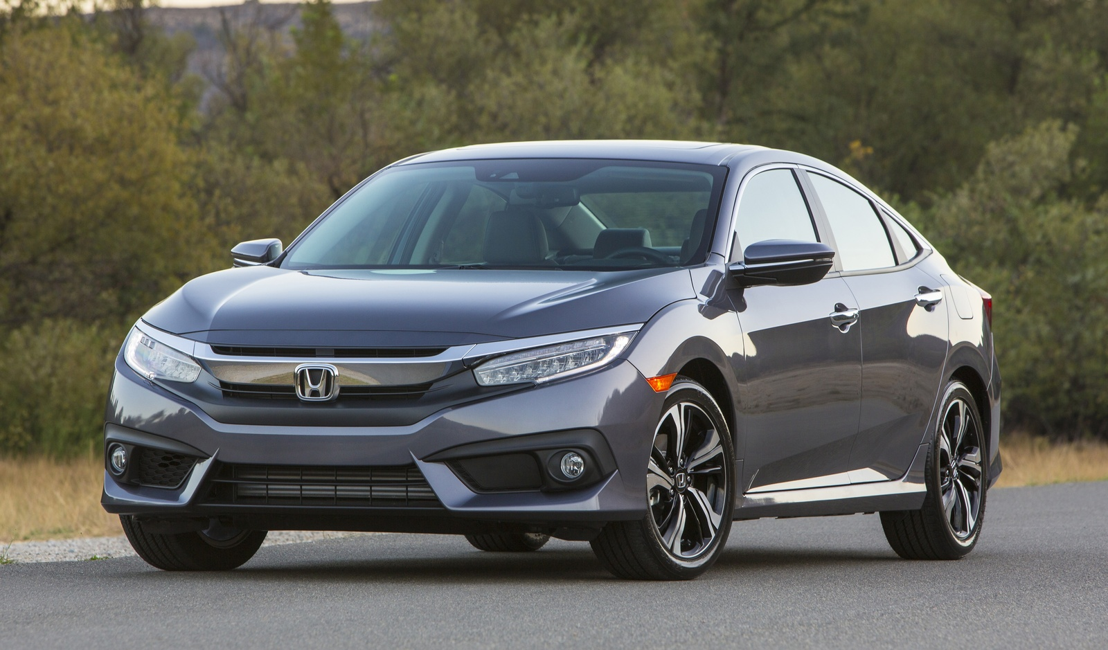 2016 Honda Civic front-quarter view