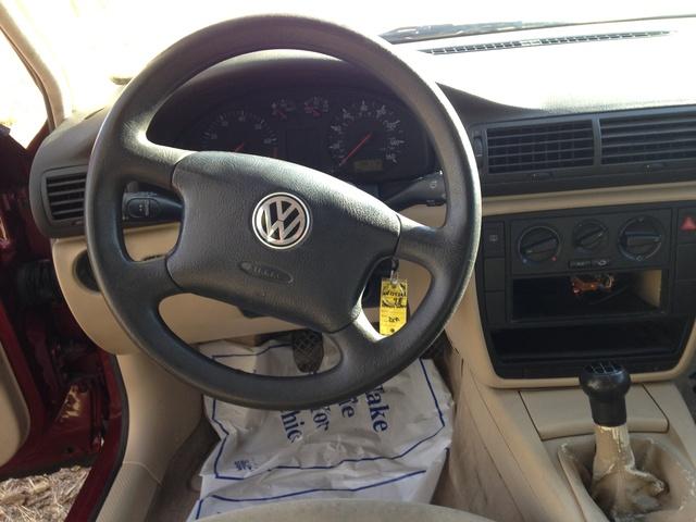 1998 volkswagen passat interior pictures cargurus for Volkswagen passat 2000 interior