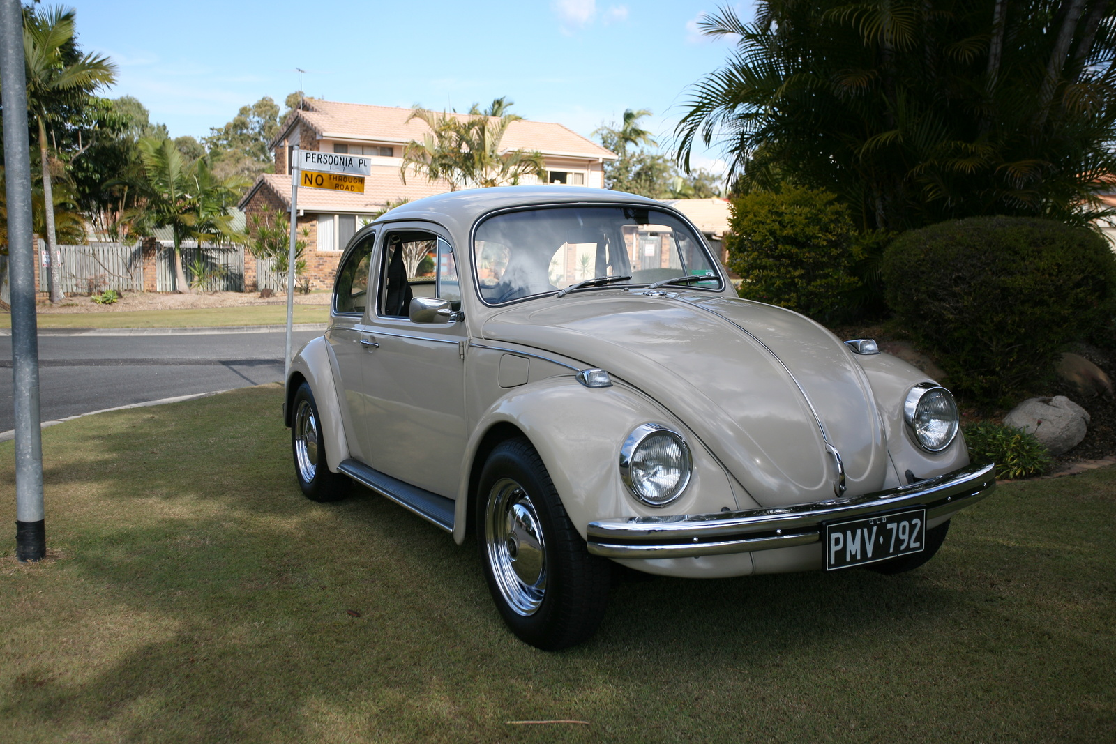 volkswagen beetle questions where abouts in us that i can pick up some parts for my 69 bug. Black Bedroom Furniture Sets. Home Design Ideas