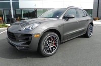 2016 Porsche Macan Picture Gallery