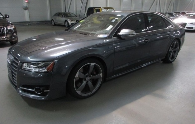 2016 Audi S8, Front-quarter view., exterior, gallery_worthy