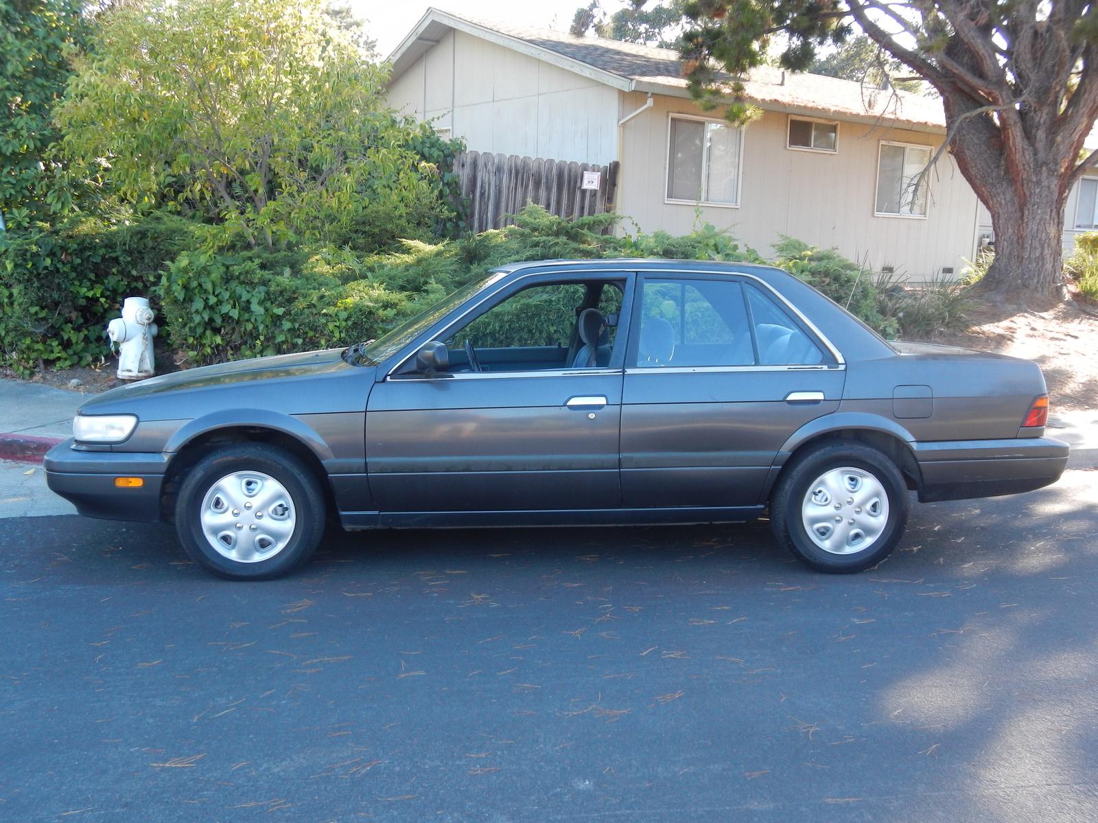 Nissan stanza 1990