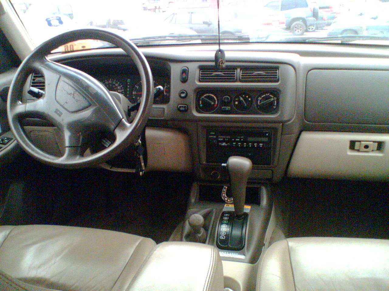 16 answers - 2015 Mitsubishi Montero Interior