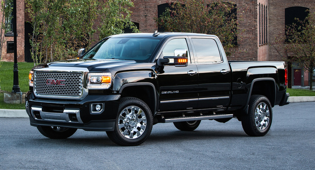 2016 GMC Sierra 2500HD, Front-quarter view. Copyright General Motors., exterior, manufacturer, gallery_worthy