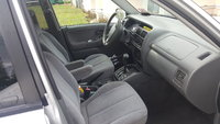 Picture of 2002 Suzuki Grand Vitara JLX 4WD, interior