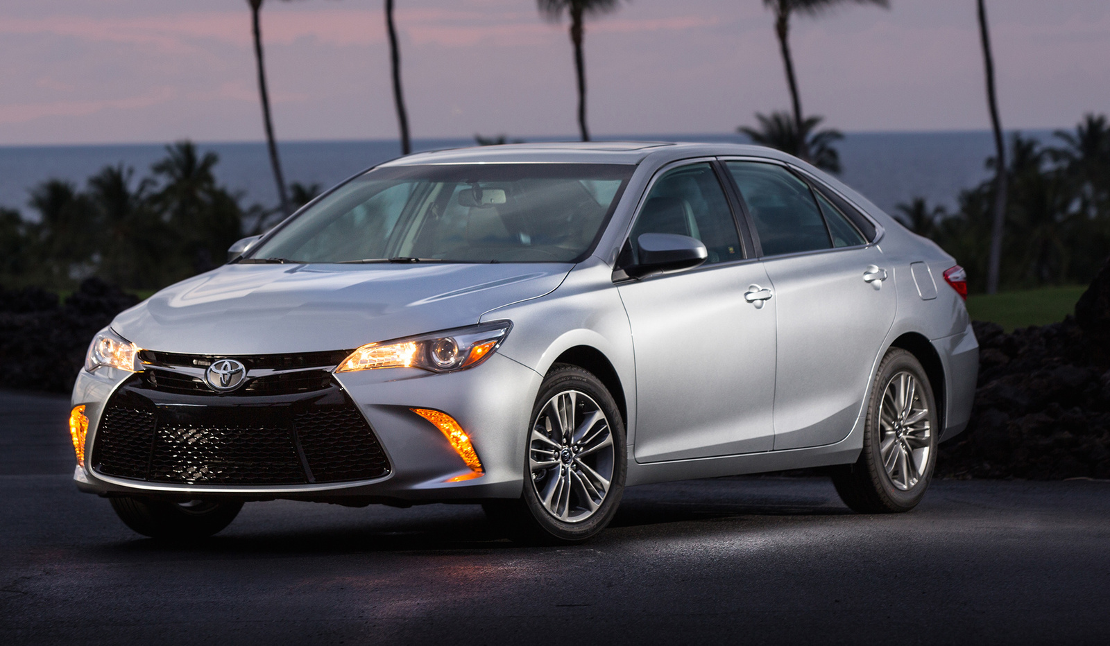 2016 2017 Toyota Camry For Sale In Your Area Cargurus