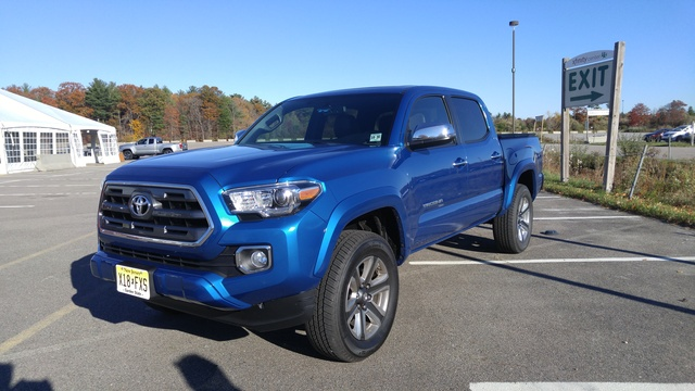 2016 Toyota Tacoma front-quarter view, exterior, gallery_worthy