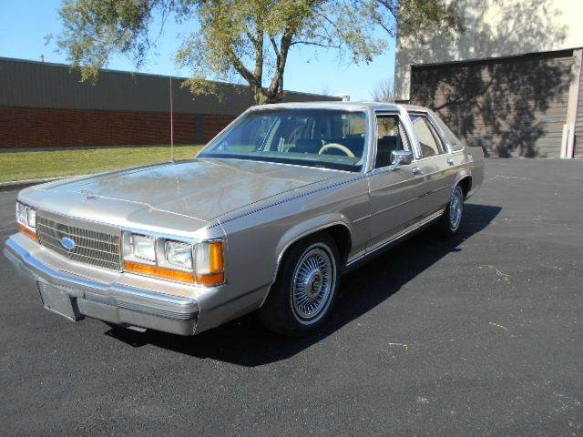 Picture of 1990 Ford LTD Crown Victoria 4 Dr LX Sedan