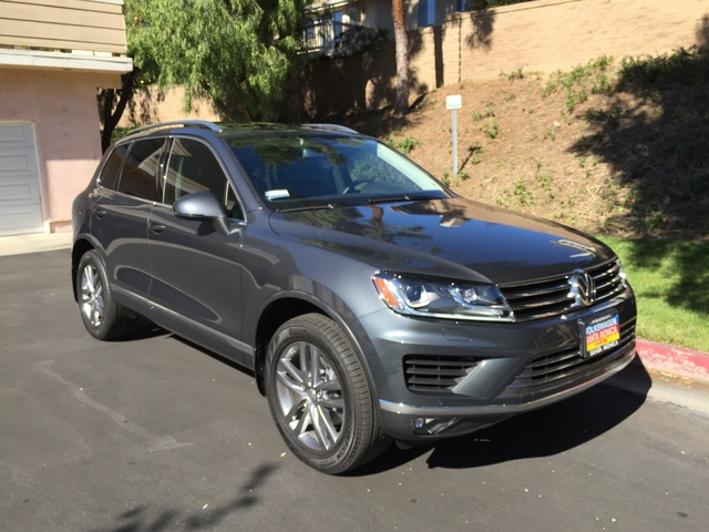 Picture of 2015 Volkswagen Touareg VR6 Executive, exterior, gallery_worthy