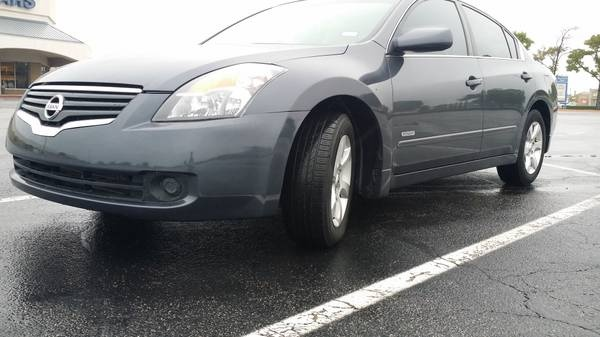 Picture of 2009 Nissan Altima Hybrid FWD