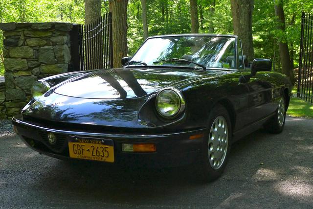 Picture of 1993 Alfa Romeo Spider