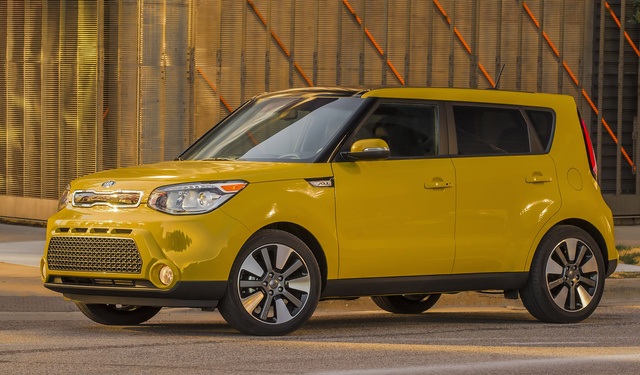 2016 Kia Soul, Front-quarter view., exterior, manufacturer, gallery_worthy
