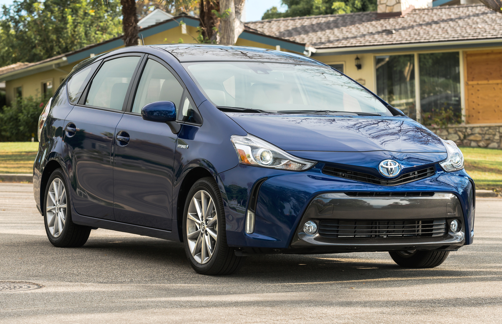 2016 toyota prius v overview cargurus sciox Image collections
