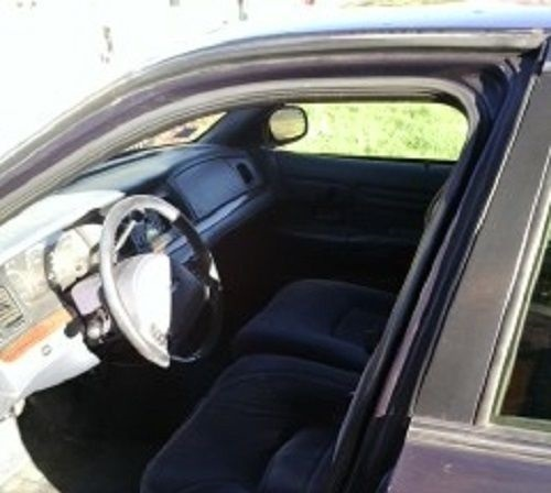 2008 Ford Crown Victoria Exterior: 2002 Ford Crown Victoria