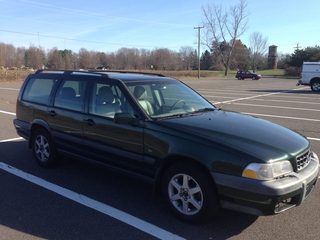 Picture of 1999 Volvo V70 XC Turbo AWD