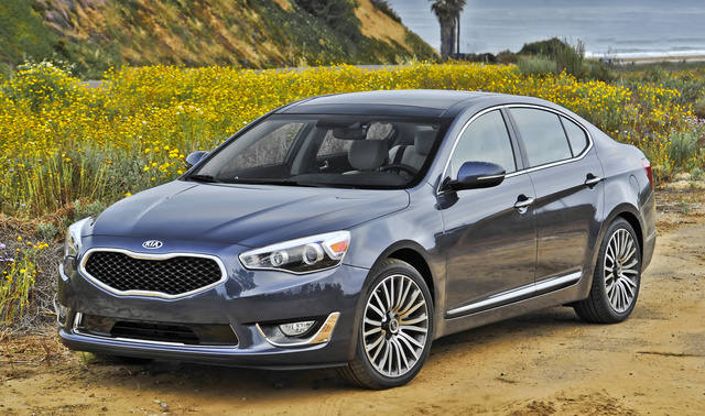 2016 Kia Cadenza, Front-quarter view., exterior, manufacturer, gallery_worthy