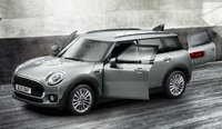 2016 MINI Cooper Clubman, Front-quarter view.