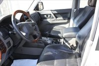 Picture of 2004 Mitsubishi Montero Limited 4WD, interior