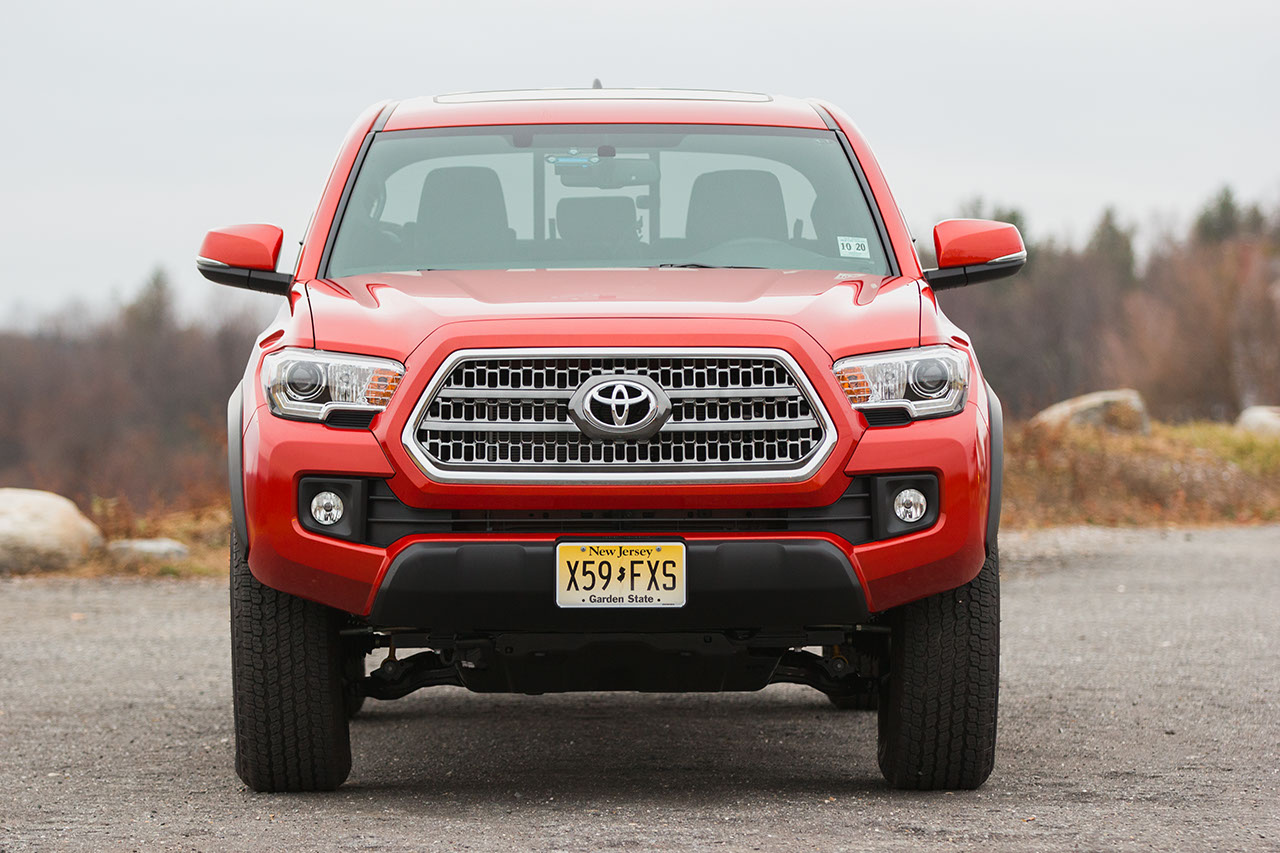 Picture of 2016 Toyota Tacoma