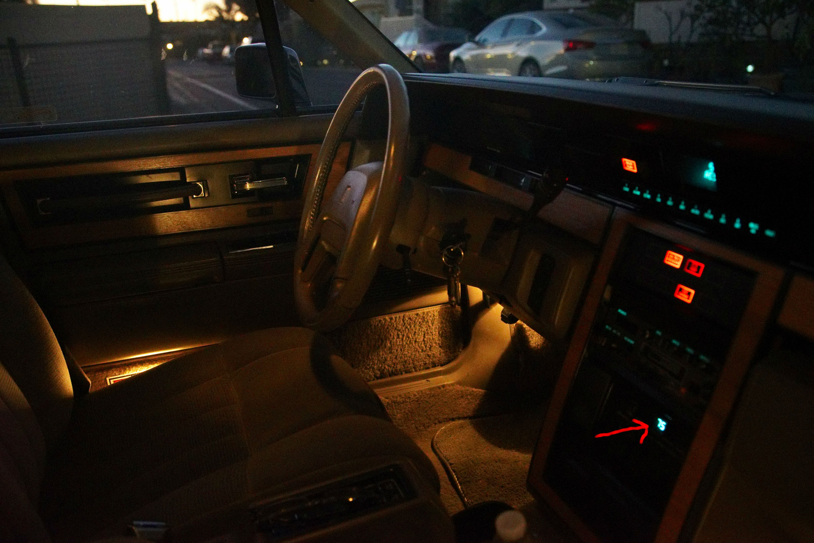 lincoln continental questions 1987 lincoln continental givenchy temperature light flashing. Black Bedroom Furniture Sets. Home Design Ideas