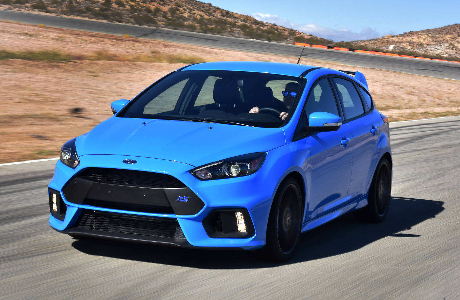 Ford Focus RS Front-quarter view