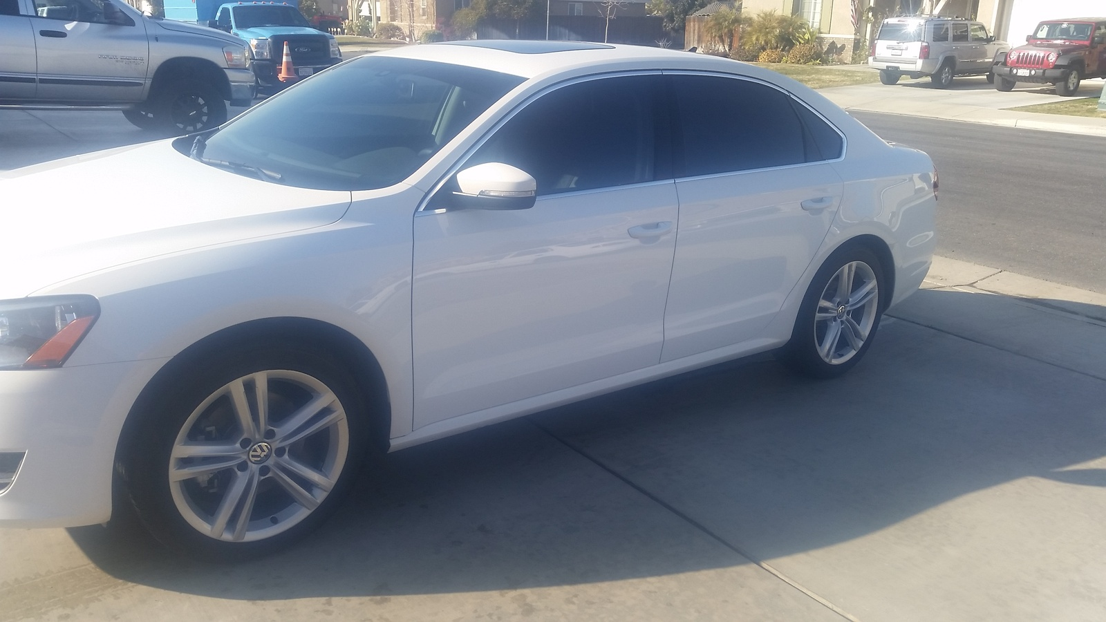Picture of 2015 Volkswagen Passat TDI SE w/ Sunroof