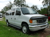 2003 Ford E-350 Overview