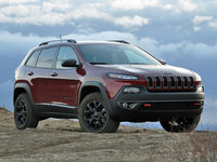 2016 Jeep Cherokee Trailhawk 4WD, 2016 Jeep Cherokee Trailhawk in Deep Cherry Red, exterior