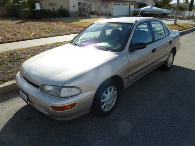Picture of 1996 Geo Prizm 4 Dr LSi Sedan