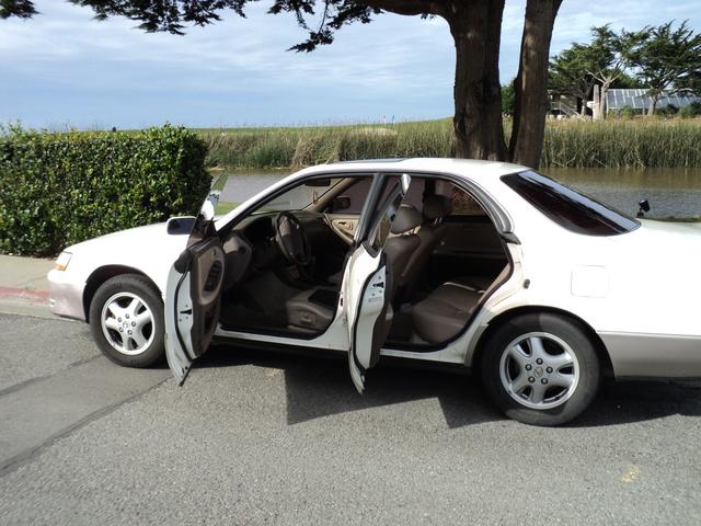 1996 Lexus ES 300