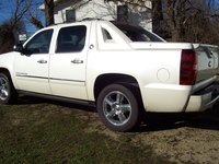 Picture of 2013 Chevrolet Avalanche Black Diamond LTZ 4WD, exterior