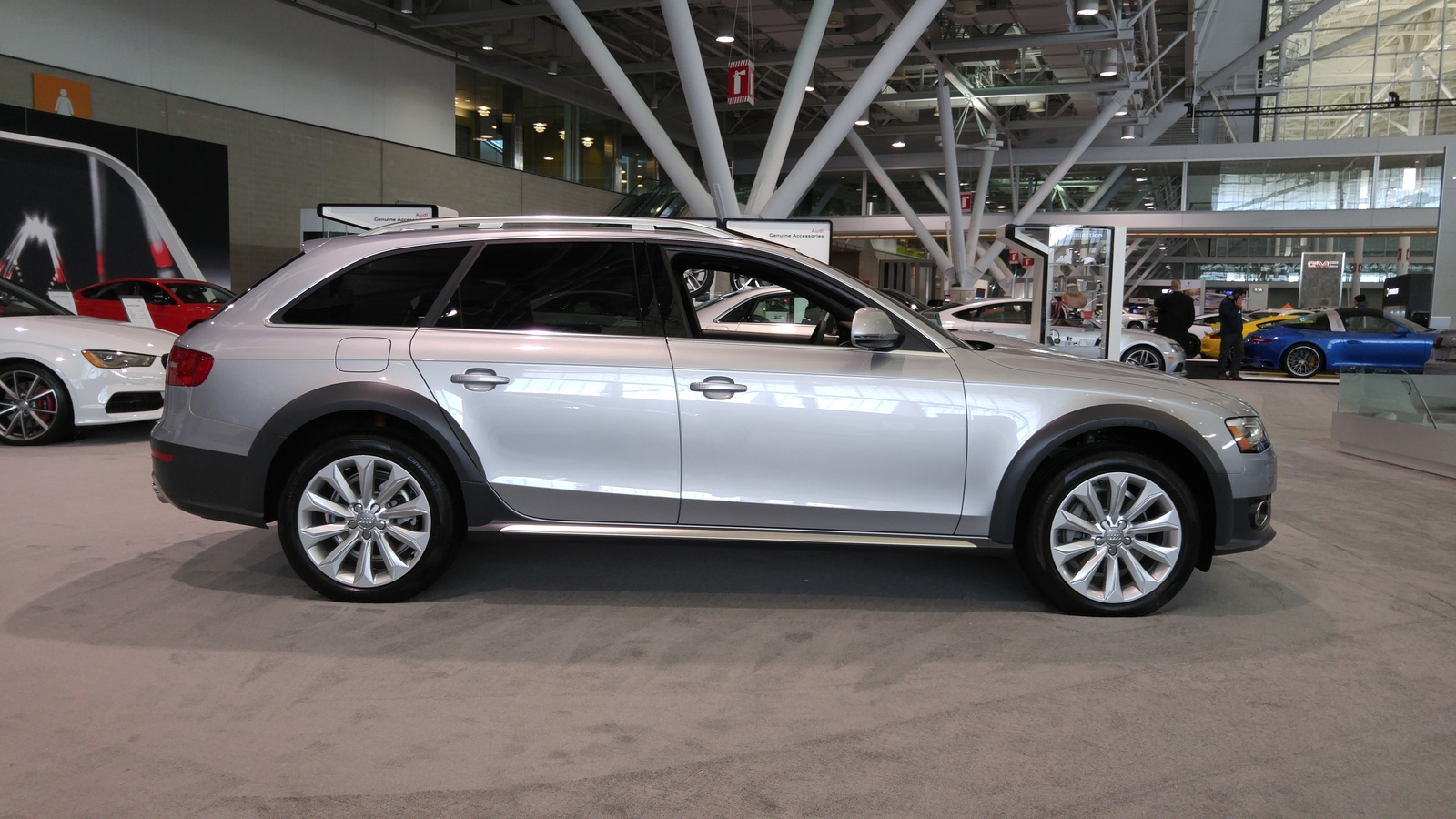 Audi Allroad Side