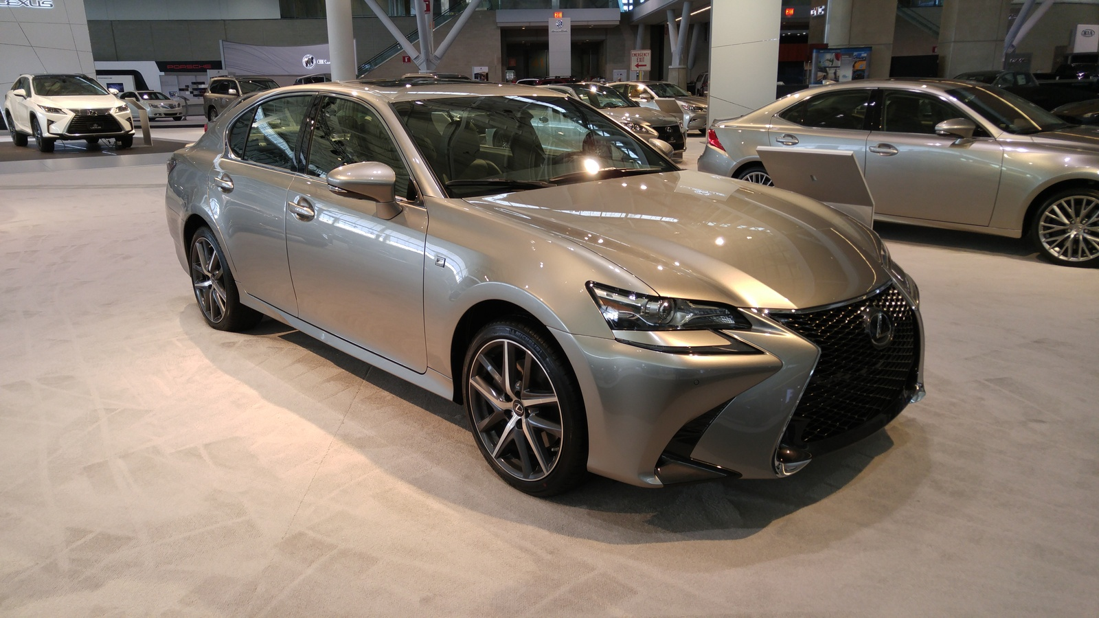 Lexus GS 350 F Sport front quarter