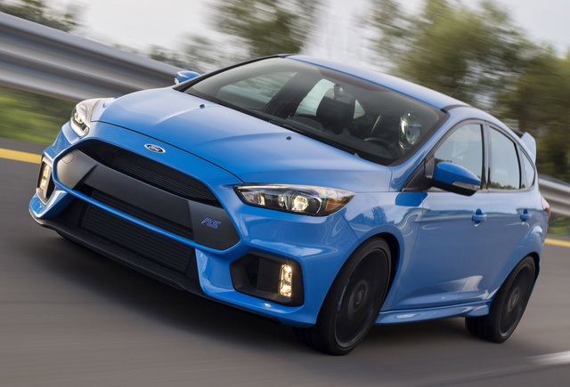 2016 Ford Focus RS, Front-quarter view, exterior, manufacturer, gallery_worthy