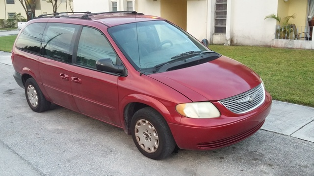 2001 chrysler town country overview review cargurus. Cars Review. Best American Auto & Cars Review