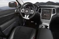 Picture of 2013 Jeep Grand Cherokee SRT8, interior